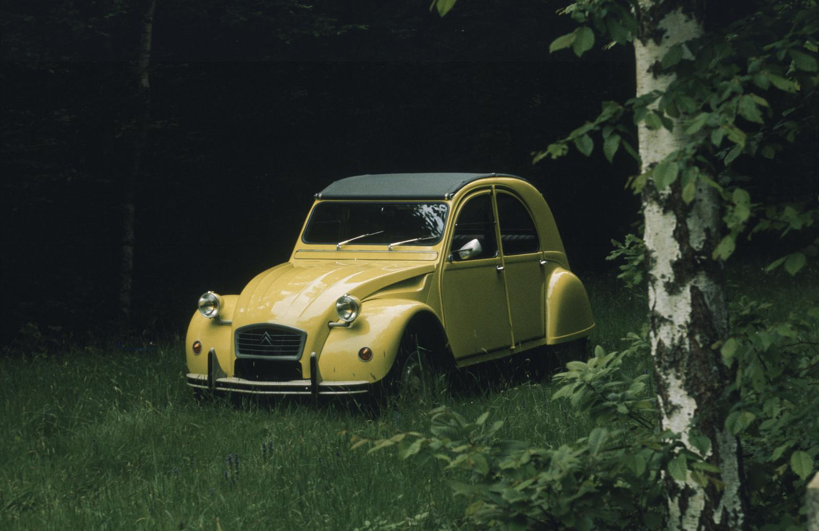 2CV Special Citron Yellow, 1976.