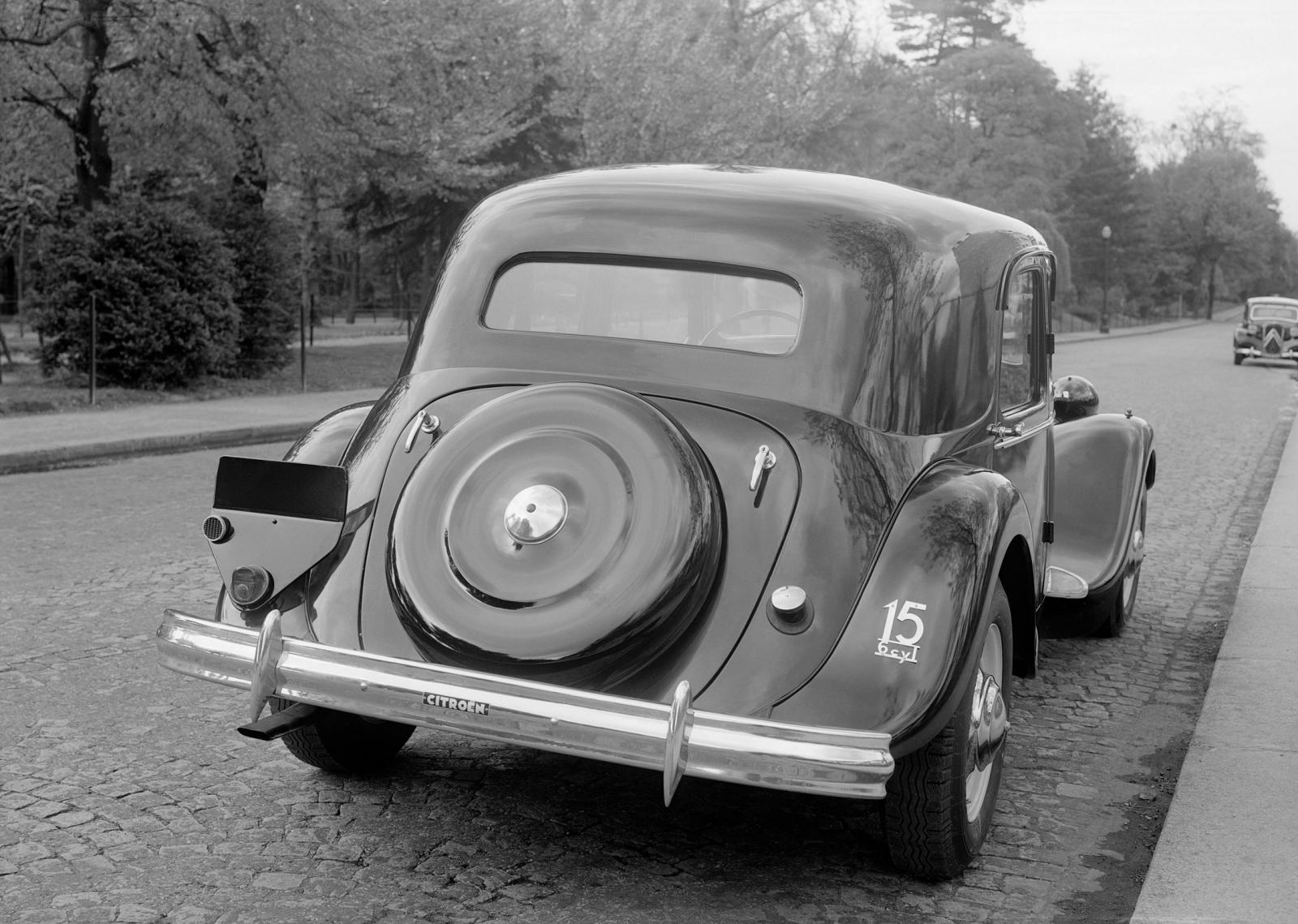 Traction 15 SIX G, 1939.