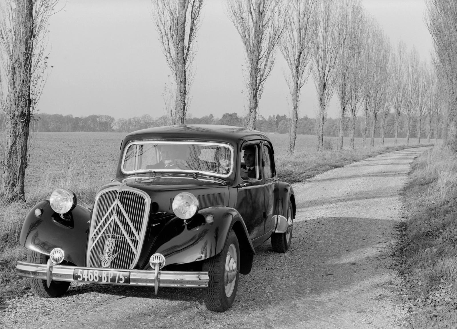 Traction 15 SIX, 1952.